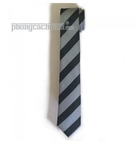 """Cà vạt bản trung (7cm) - PhongCachNam """"Trend Setter"""" sọc chéo đen xám"""